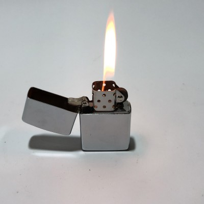 Бензиновая зажигалка Silver
